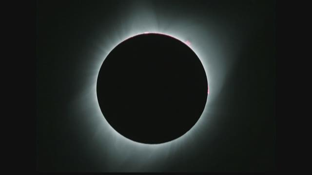 Amazon sued over eclipse glasses after couple cites blind spots