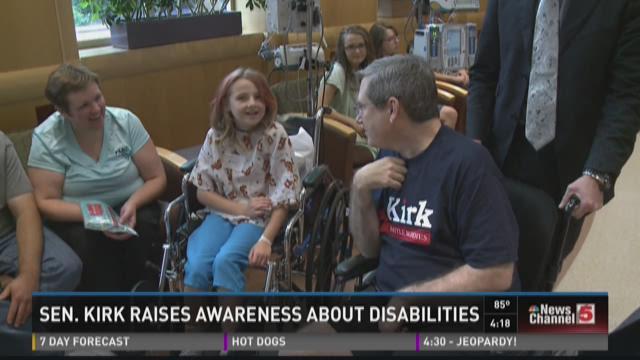 Sen. Kirk raises awareness about disabilities