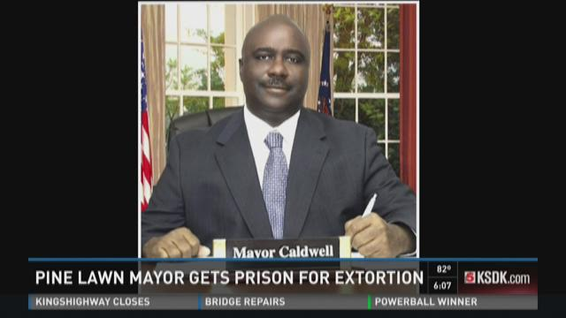 Pine Lawn mayor gets prison for extortion