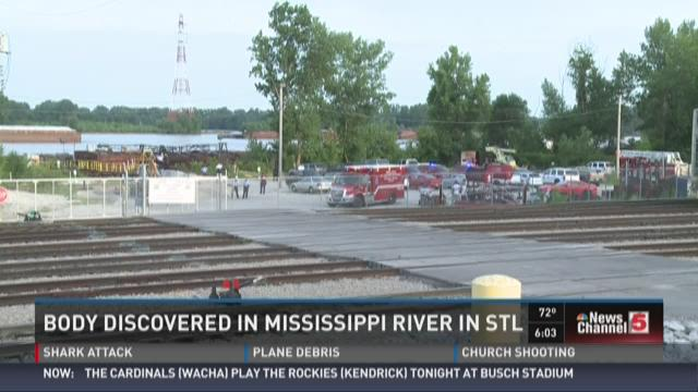 Body discovered in Mississippi River