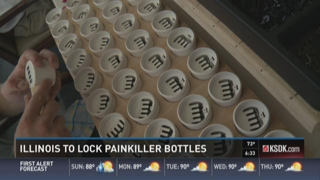Illinois to lock painkiller bottles