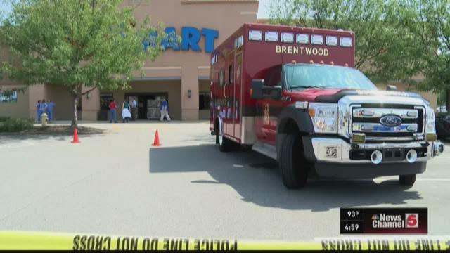 People, pets evacuate pet store in Brentwood
