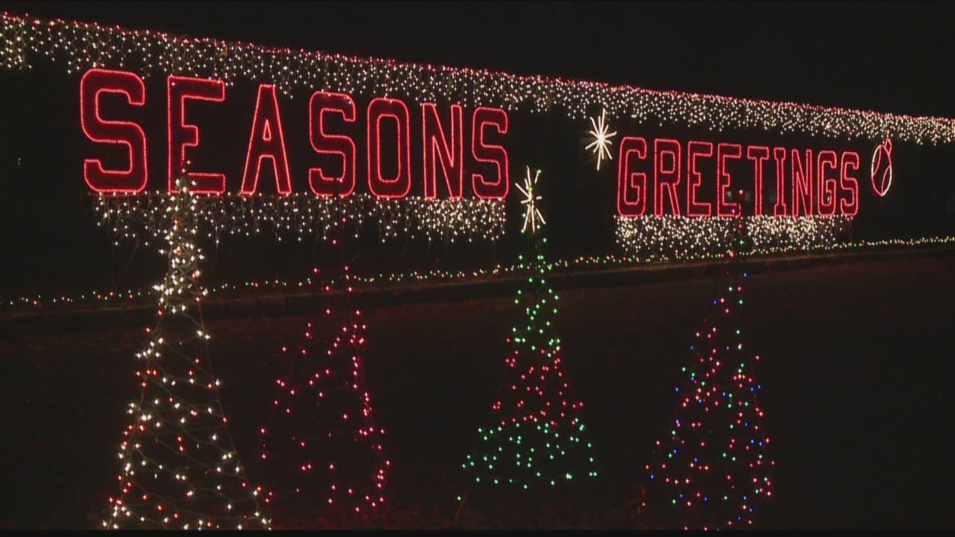 Tilles Park Christmas Lights.More Than 1 Million Christmas Lights Are On Display In Tilles Park